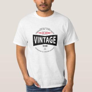 Skräddarsy vintageårspappan (vägleda i tee shirts