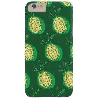 Skraj ananas på grön bakgrund barely there iPhone 6 plus skal