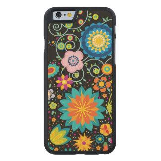 Skraj blommor carved® lönn iPhone 6 fodral