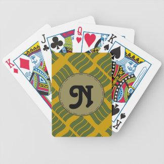 Skraj brev som leker kort spelkort