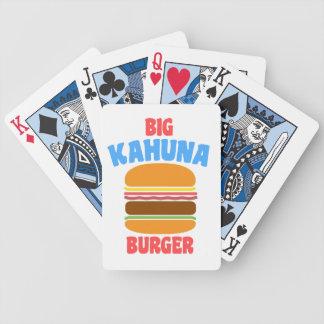Skräp- fiktion som leker kort spelkort