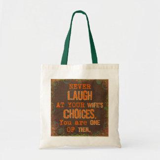 Skratta aldrig på fru val som den roliga totot budget tygkasse