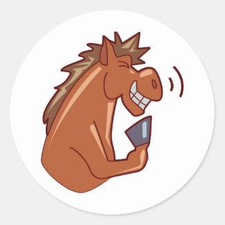 Skratta hästen runda klistermärken