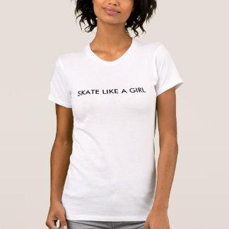 Skridskonågot liknande en flicka (skateboarding) t shirt