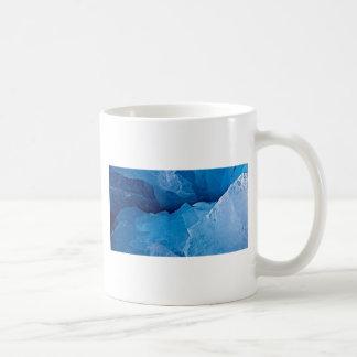 Skuggar av blåttgränsmall kaffemugg