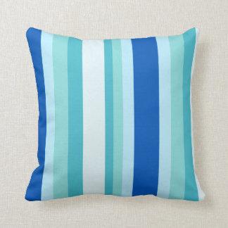 Skuggar av färgrikt randigt för tropiska blått kudde