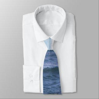 Skuggar av slipsen för blåtthavtemat slips