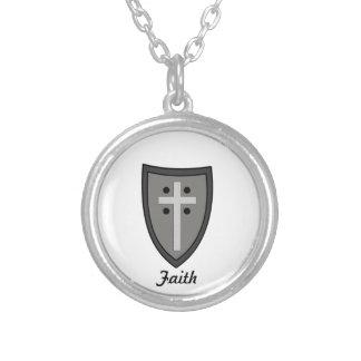 Skydda av tro silverpläterat halsband