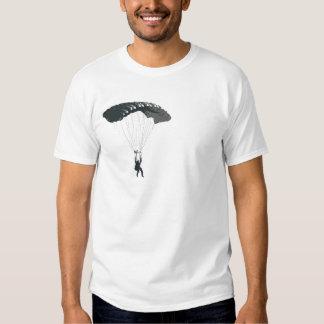 Skydiver under fallskärmen t shirt