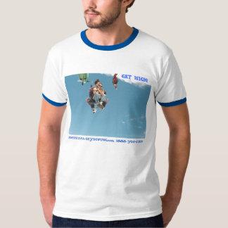 skydiving FÅR KICKfallskärmhuvud besegrar T-shirt