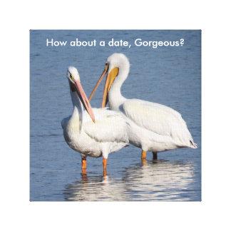 Slåget in tryck av två roliga pelikan