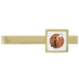 Slam dunkbasketspelare w/Hoop på boll Guldpläterad Slipsnål