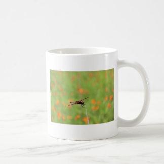 Slända- och orangeblommor kaffemugg