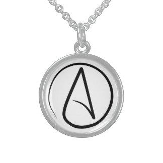 Slankt ateistsymbolhalsband halsband med rund hängsmycke