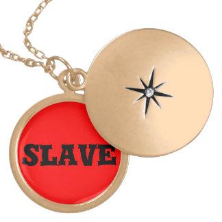 slav- halsband med rund berlock