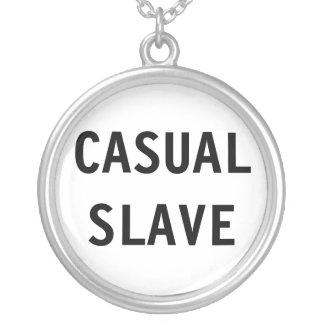 Slav- halsbandavslappnad silverpläterat halsband