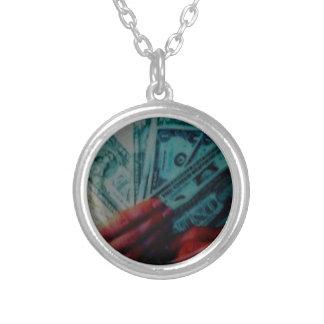 Slav- pengar halsband med rund hängsmycke