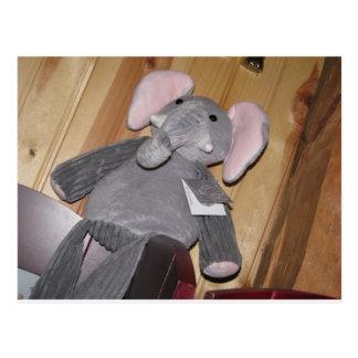 Slumpmässig elefant på golv vykort