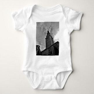 Slutligt torn i svartvitt t-shirts