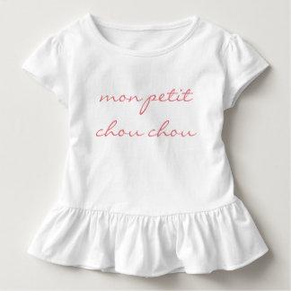 """Småbarnflickor rufsar utslagsplatsen """"Måndag Petit Tee"""