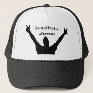 Smacktastic antecknar hatten truckerkeps