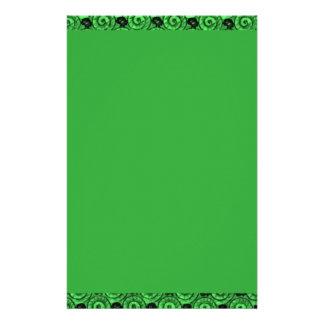 Snäcka- och blommagrönt brevpapper