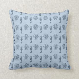 Snäckor och havshästar dekorativ kudde