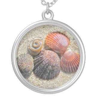 Snäckskal på strandhalsbandet silverpläterat halsband