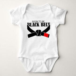 Snart att vara svart bälte!!! tee shirts