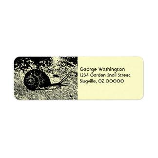Snigel i svartvitt returadress etikett