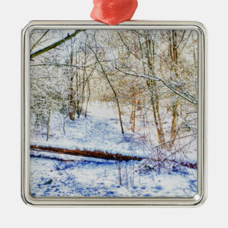 Snöig skogsmarkväg julgransprydnad metall