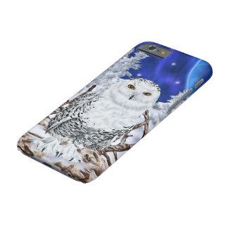 Snöig uggla i snömörk - blå himmel barely there iPhone 6 fodral