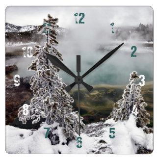 Snöig Yellowstone Fyrkantig Klocka