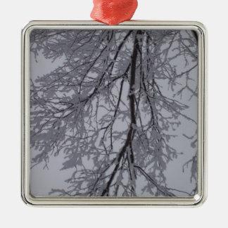 Snömönster i träden julgransprydnad metall