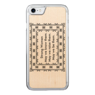 SnöreDoily med text angående starka kvinnor Carved iPhone 7 Skal