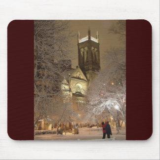snow_church_couple_tv musmatta