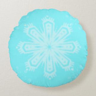 Snowflake på ljusa blått rund kudde