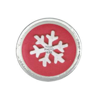 Snowflake på rött lägg till bild fotoring
