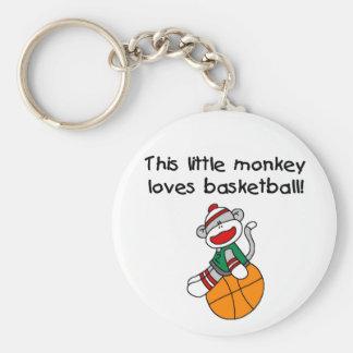 Sock monkey älskar basket rund nyckelring