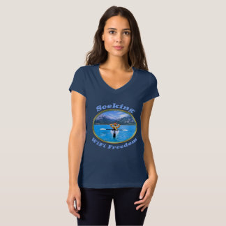Sökande design för WiFi frihetsKayaker T-shirt