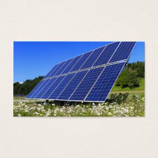 Sol- paneler och grön äng visitkort