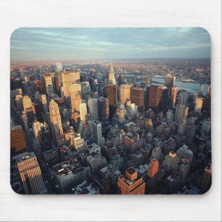 Solen ställer in på den New York City Staden-scape Musmatta
