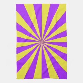 Solen strålar i violet- och gulthanddukar kökshandduk