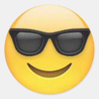 Solglasögonemojiklistermärke Runt Klistermärke