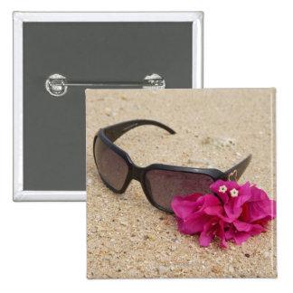 Solglasögonen och bougainvilliaen blommar på koral standard kanpp fyrkantig 5.1 cm