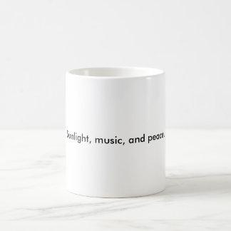 Solljus, musik och peace. vit mugg