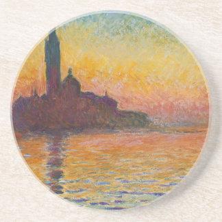 Solnedgång i den Venedig kustfartyget Underlägg Sandsten