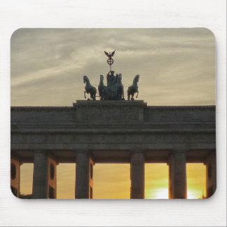 Solnedgång på den Brandenburg grinden, Berlin Musmatta