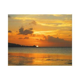 Solnedgång på den östliga Hagatna fjärden Canvastryck