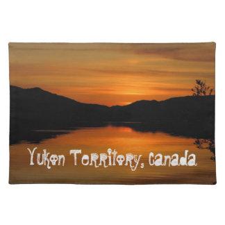 Solnedgång på räv sjön; Yukon territoriumsouvenir Bordstablett